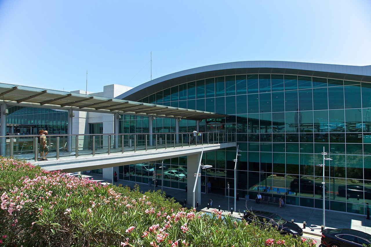 Фото аэропорта Ларнаки