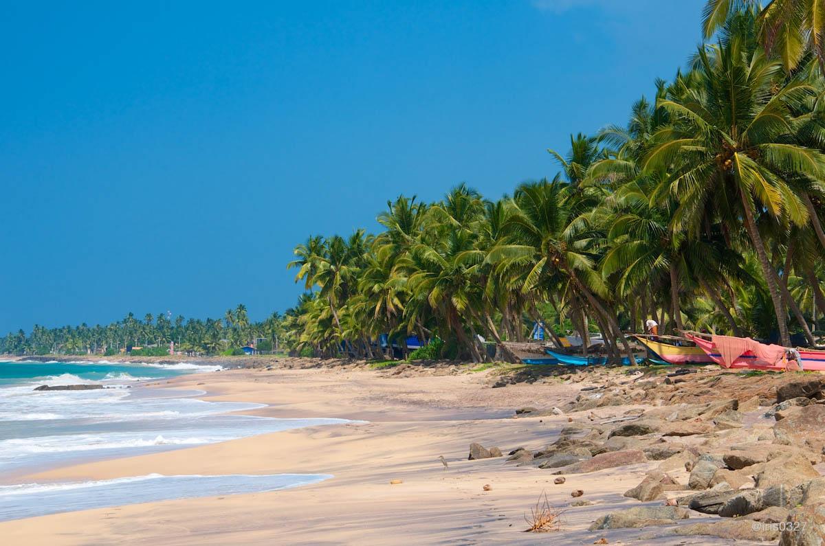 Дикий пляж Хиккадува