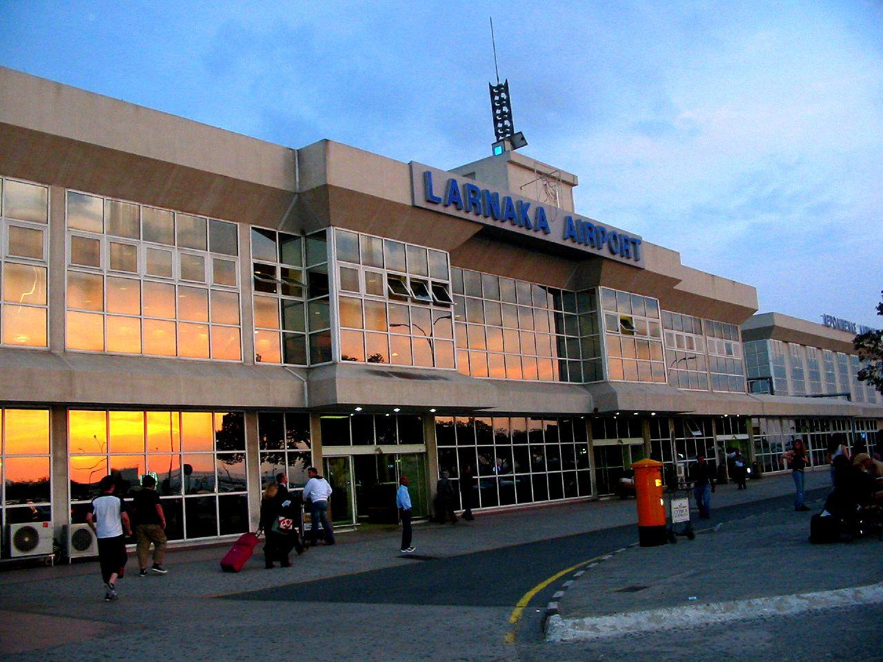 На фото международный аэропорт Кипра
