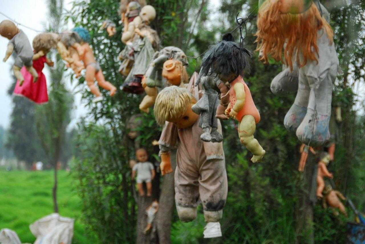 История острова кукол
