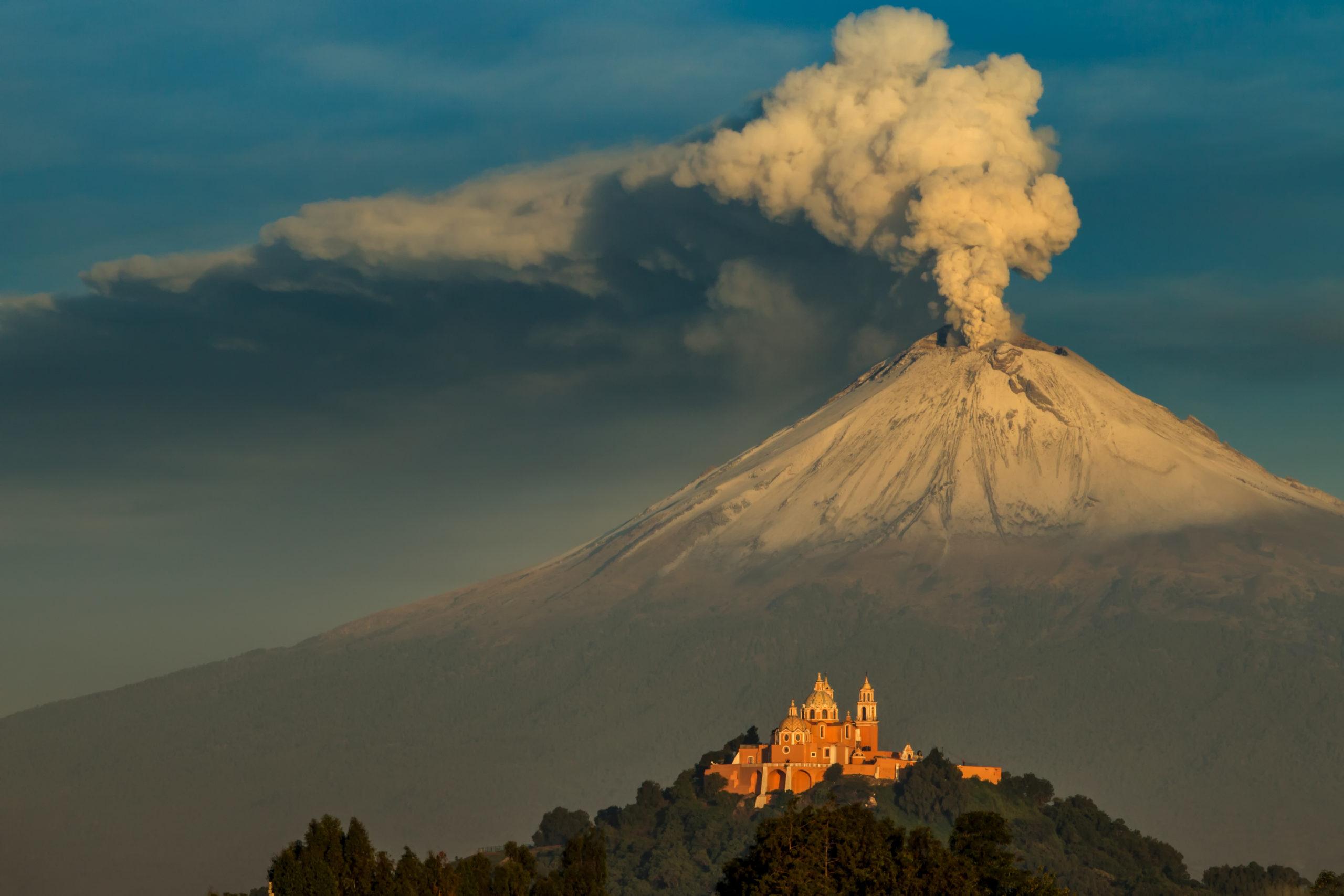 Так выглядит вулкан Попокатепетль