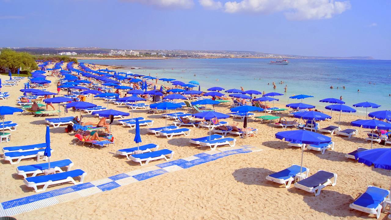 Пляж MakronissosBeach