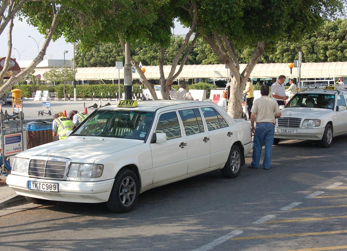 Такси на Кипре