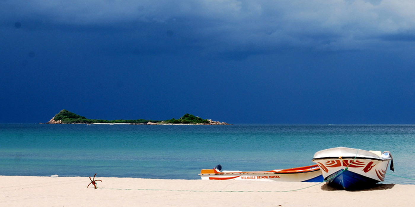 Пляж Нилавелина Шри-Ланке