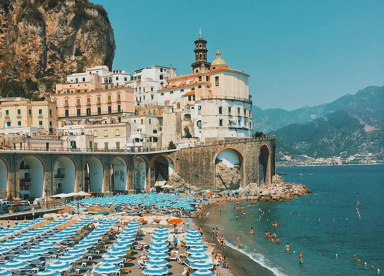 Где отдохнуть в Италии на море и когда