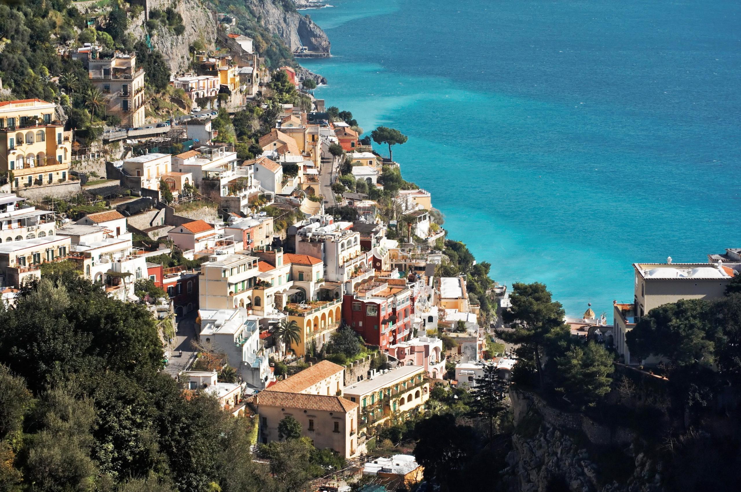 Какие моря омывают Италию