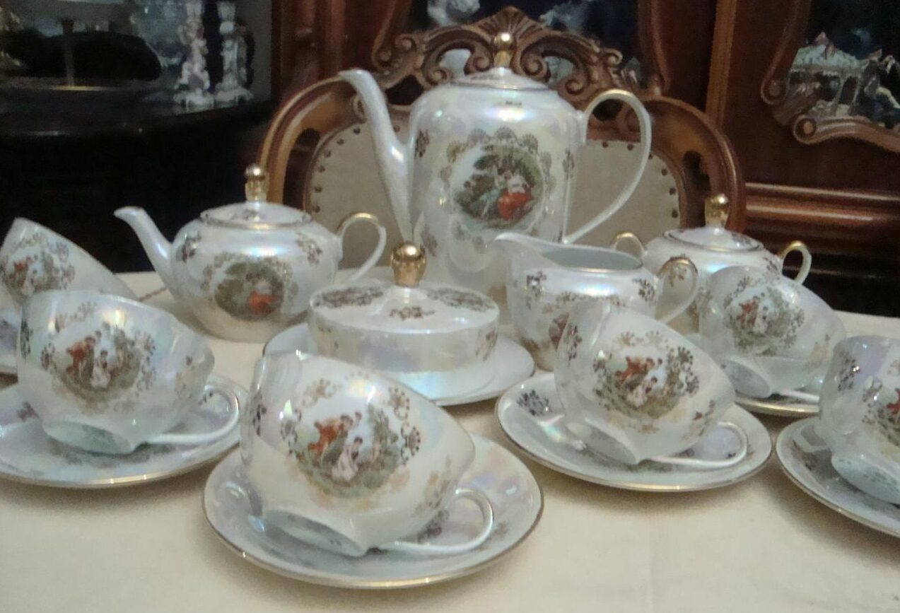 фото фарфорорвый чайный сервиз Мадонна